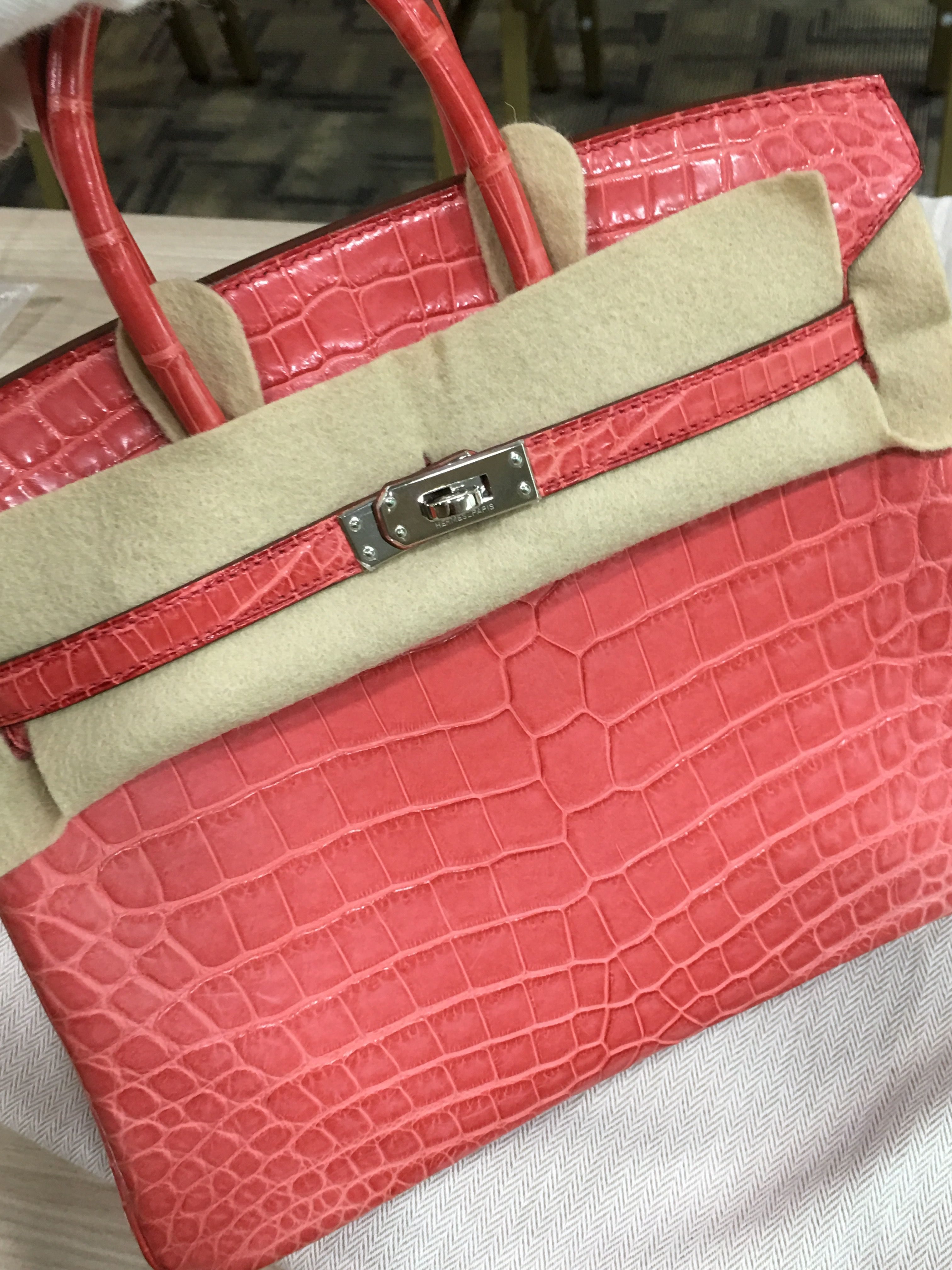 88c40e7ad5 Model: Hermes Birkin 25 Crocodile Year: Q Color: Bougainvillea Leather:  Niloticus Crocodile