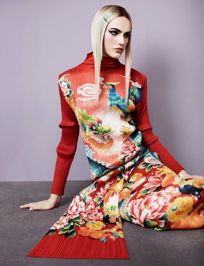 Issey Miyake Element Folds Printing The Images Are Chinese Influenced Japanese Fashion Designers Fashion Japanese Fashion