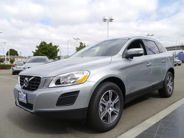 2013 Volvo XC60 T6Platinum AWD T6 Platinum 4dr SUV SUV 4 Doors Silver for sale in San leandro, CA Source: http://www.usedcarsgroup.com/used-volvo-for-sale-in-san_leandro-ca