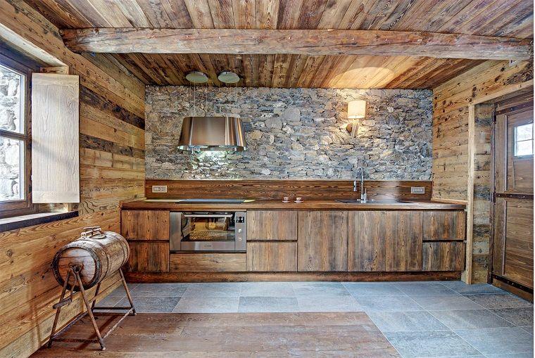 cucine in muratura rustiche, e una realizzata in legno e pietra ...