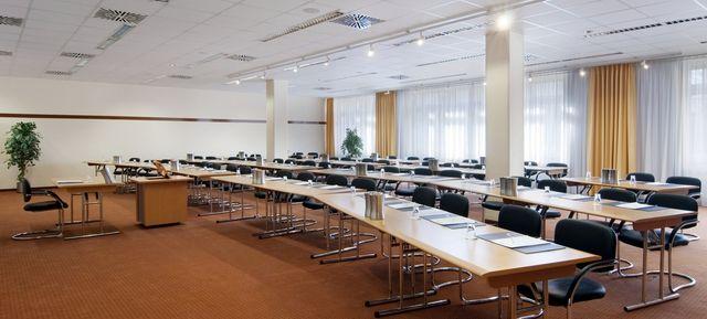 Holiday Inn Dresden - beliebteste Event Locations in Dresden #event #location #top #best #in #dresden #veranstaltung #organisieren #eventinc #beliebt #congress #seminar #meetings #business
