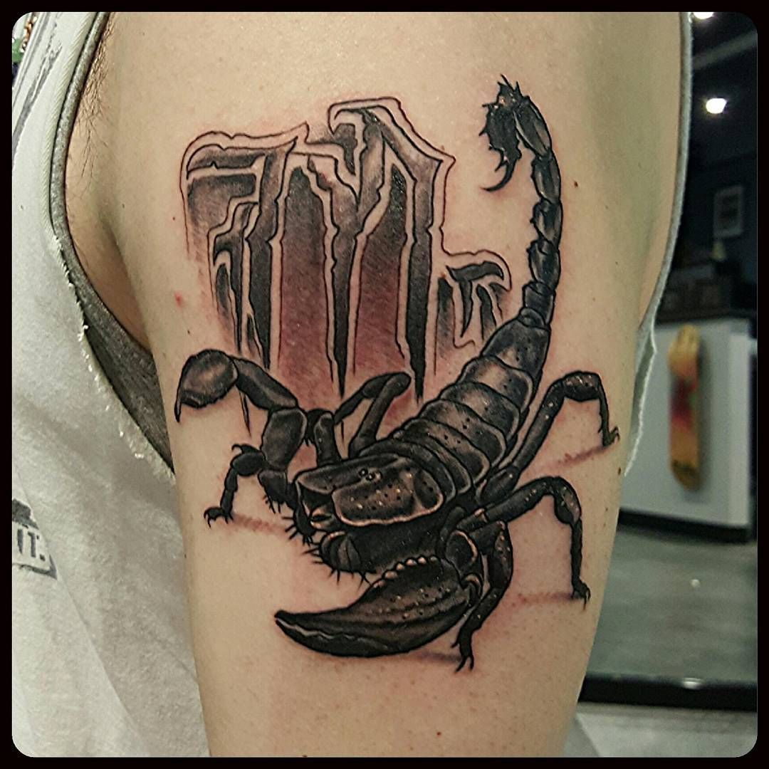 scorpion tattoos for men animal tattoos for men pinterest skorpion tattoo tattoo ideen. Black Bedroom Furniture Sets. Home Design Ideas