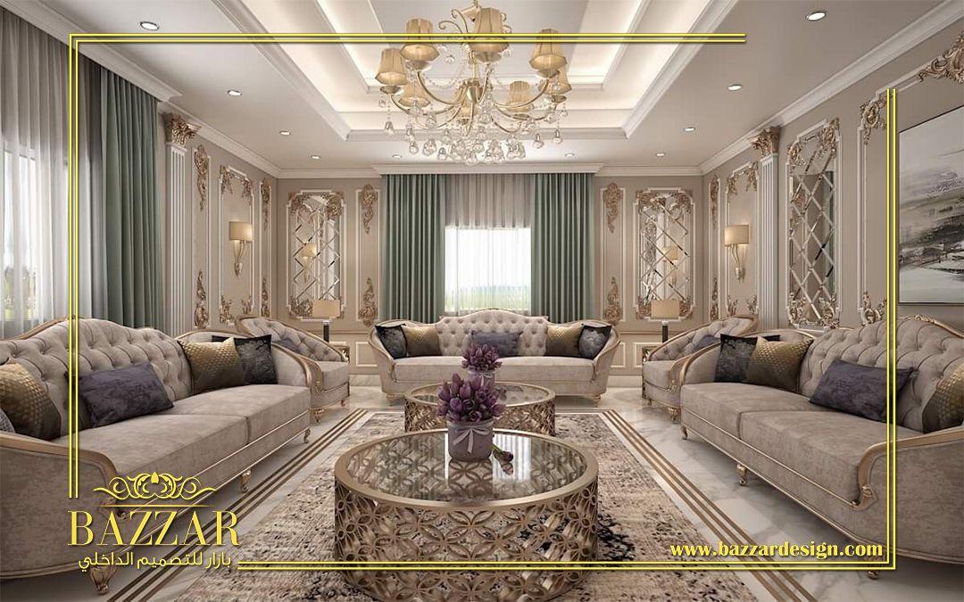 غرفة معيشة بتصميم كلاسيك تم استخدام أثاث ذو ألحجم الكبير وهو من أحدث صيحات ألديكور وبما Living Room Design Decor Home Design Floor Plans Apartment Living Room