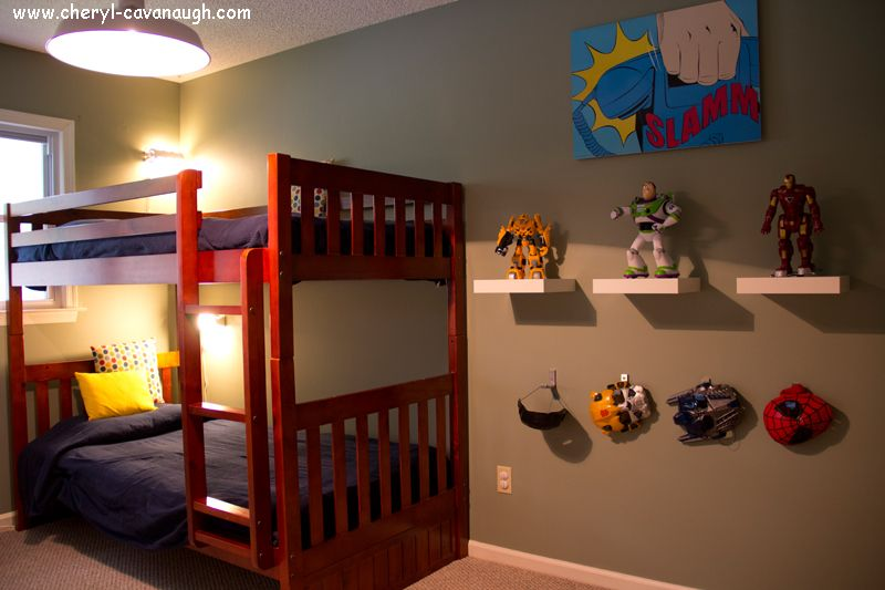 Nice neat and cozy superhero bedroom nicholas for Superhero bedroom ideas