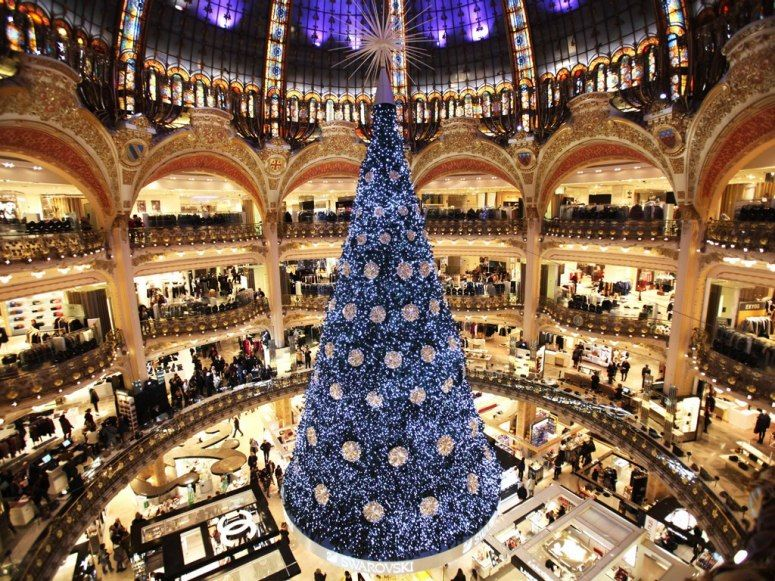The Biggest Brightest Christmas Trees In The World Christmas In Paris Beautiful Christmas Trees Unusual Christmas Trees