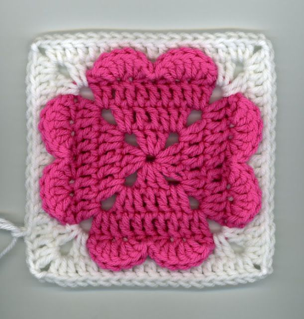 Dly\'s Hooks and Yarns ~: ~ 4-hearts square pattern | Manualidades ...