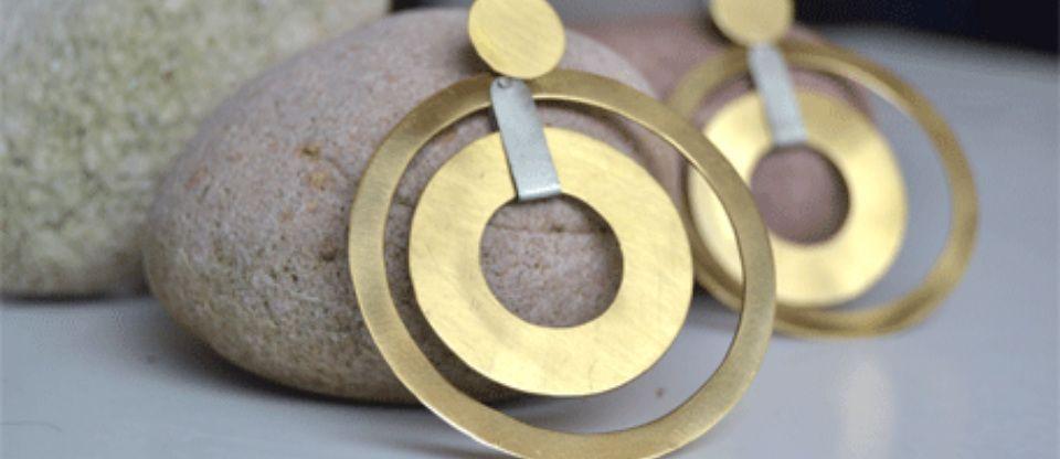 Gioielli contemporanei artigianali di design a napoli in for Design di gioielli