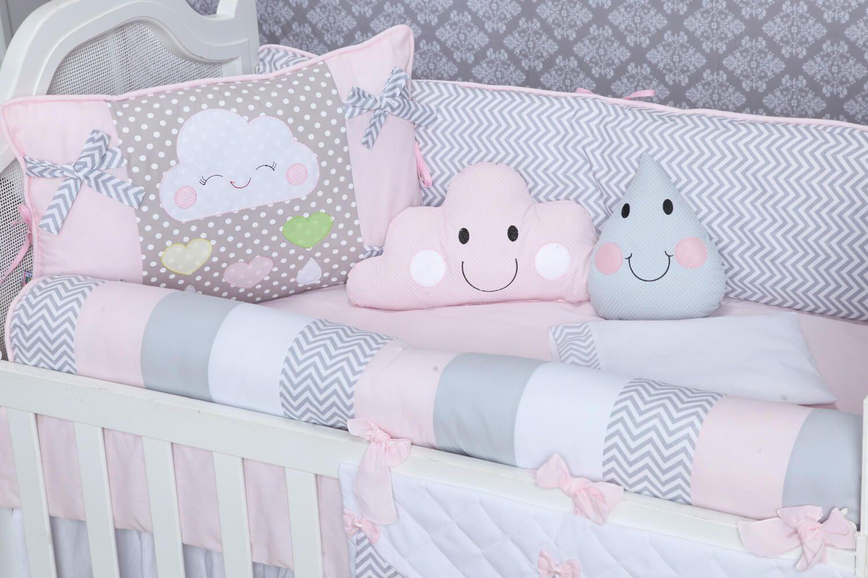 A Tem Tica De Nuvens Anda Em Alta Na Decora O Do Quarto Do Beb  ~ Quarto De Bebe Cinza Com Rosa E Dicas De Decoração Quarto