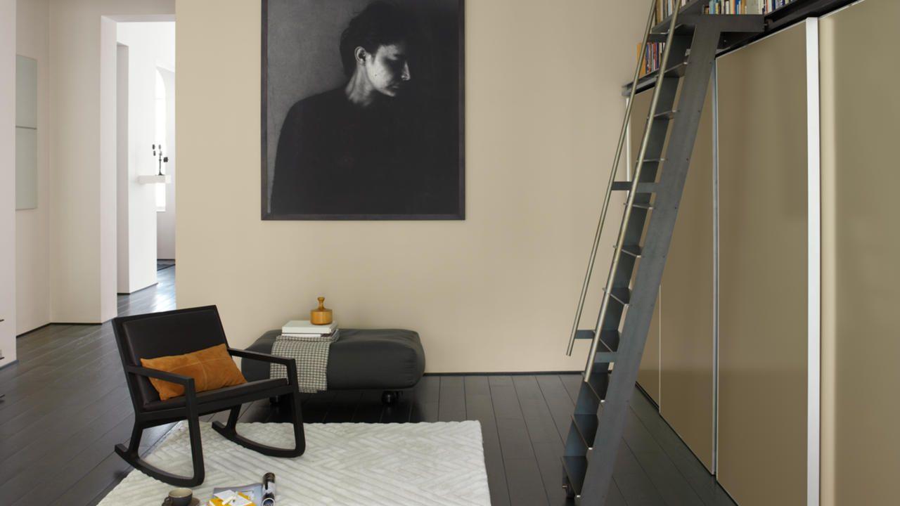 Peinture gris foncé pour une déco moderne   Peinture grise foncée ...
