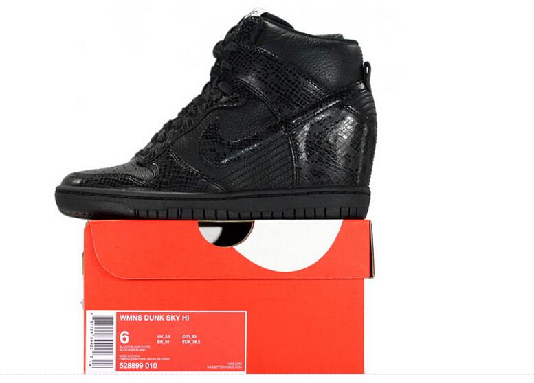 the best attitude 34657 6a4e9  esty  run  shoes 528899-010 Nike Dunk Sky High Womens Snake Blackout