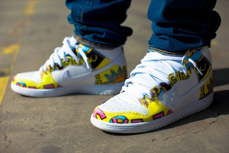 official photos a187d a2777 A Closer Look at the De La Soul x Nike SB Dunk High | Kicks ...
