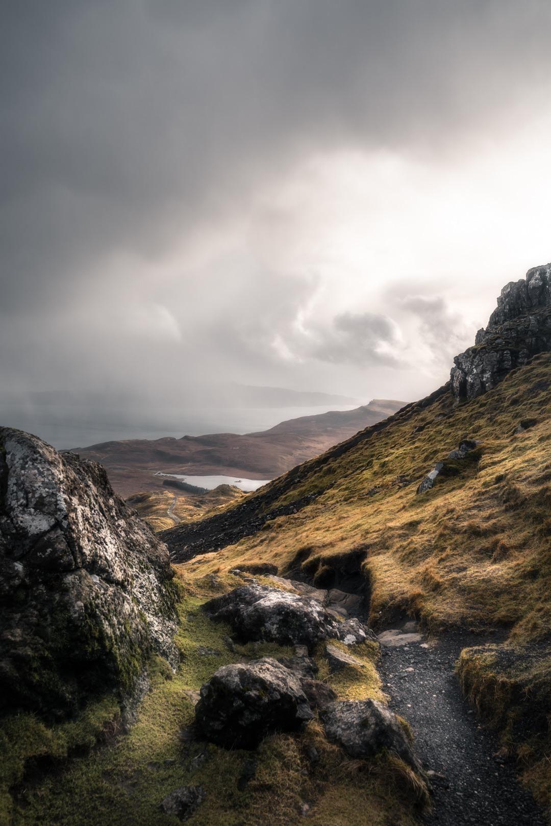 Descending The Old Man Of Storr In Skye Scotland Oc 1080x1620 Ig Rbrgsshttps I Redd It Qcg In 2020 Skye Scotland Landscape Photography Beautiful Places To Visit