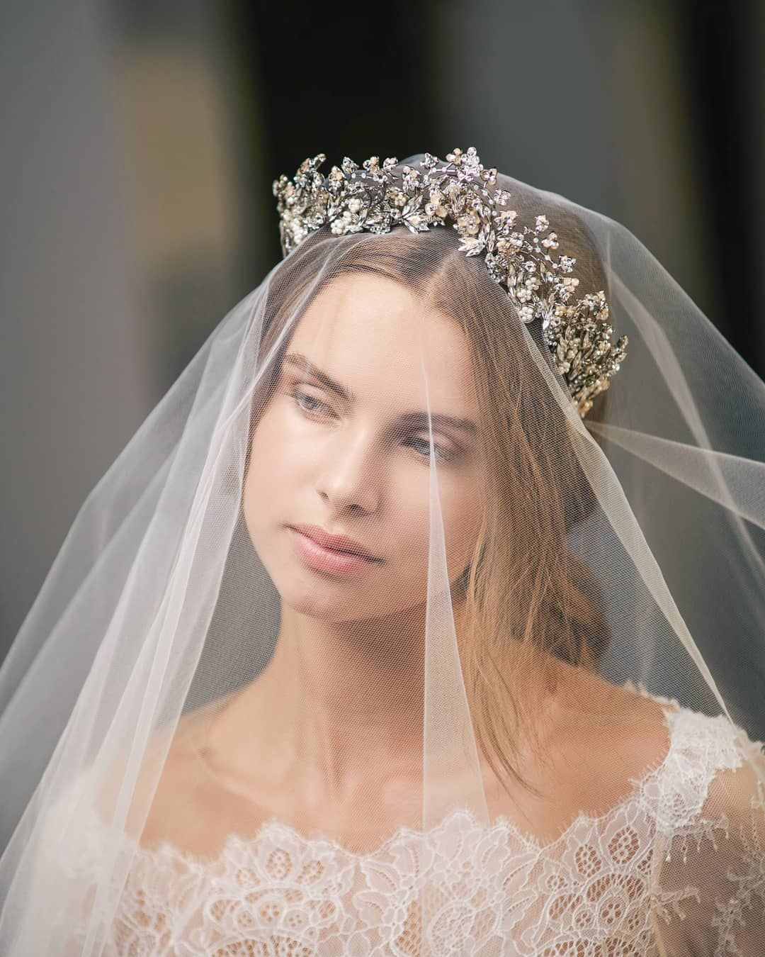 A bridal look styled with a beautiful veil and