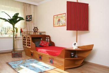 piratenschiff bett braun w wie wohnen pinterest kinderzimmer bett und kinderbett. Black Bedroom Furniture Sets. Home Design Ideas