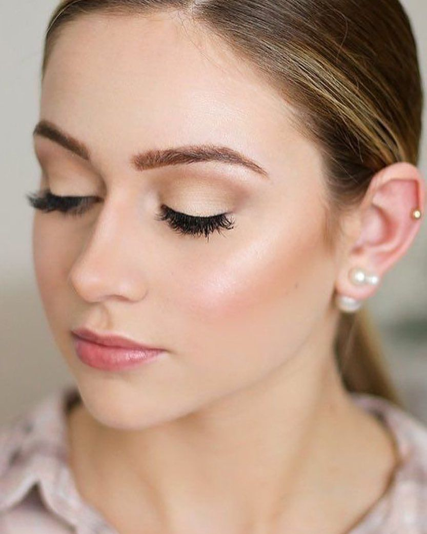 Glowing natural bridal makeup