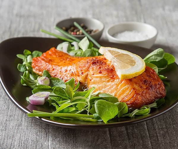 The Healthiest Foods To Eat For Dinner According To Nutritionists And Dietitians Cooking Salmon Easy Fish Recipes Salmon Recipes