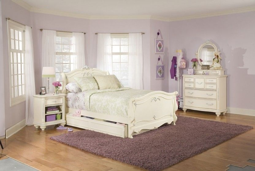 Romance Sleigh Bed Jessica Mcclintock By Lea Industries From Http://www. Wolffurniture.com/collection.aspx?CollectionIDu003dMcClintock+Heirloomu003d203