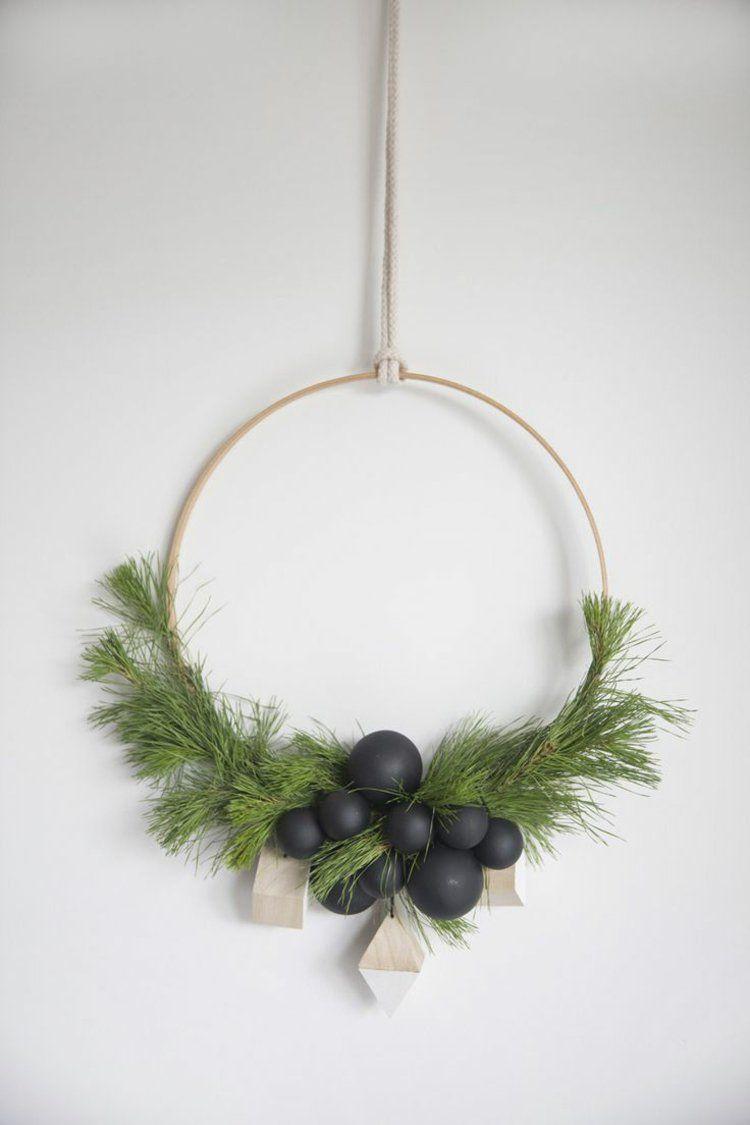 so k nnen sie einen weihnachtskranz selber basteln 50 ideen basteln weihnachten. Black Bedroom Furniture Sets. Home Design Ideas