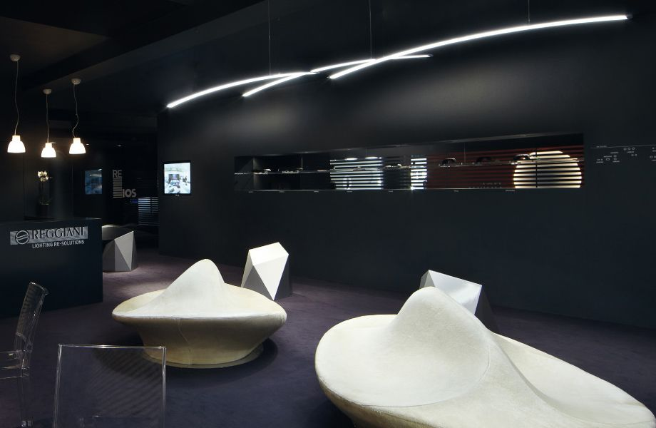 Lighting And Building Fair Stand Spectra Pendant Led Reggiani Usa