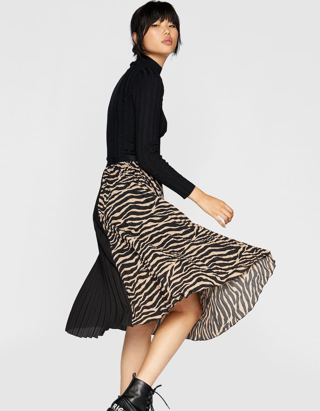 febc7125d3 Pleated skirt with elastic waist - Animal print   Stradivarius United  Kingdom