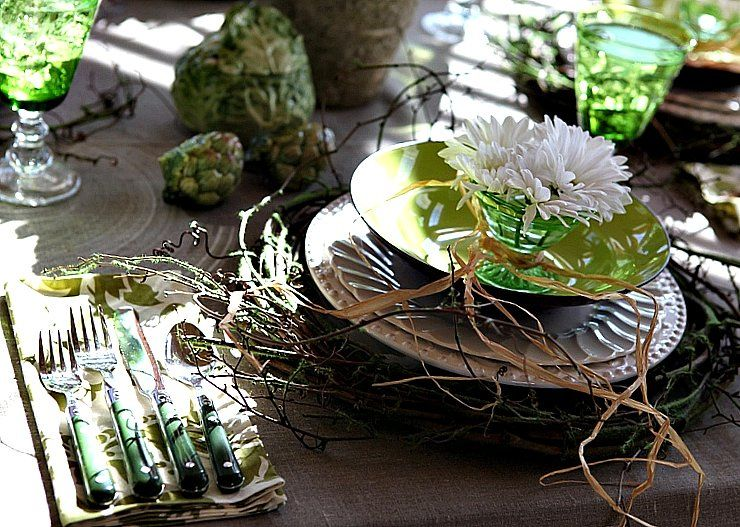 This rustic Irish tablescape was inspired by a pot of cabbage soup that was bubbling in the kitchen. I used grapevine wreaths as chargers an...