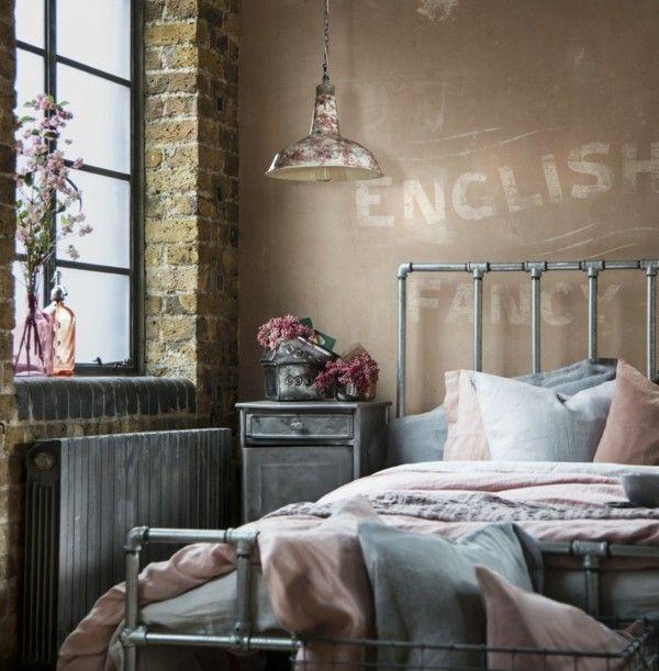 Schlafzimmereinrichtung Industrial Style freigelegte Ziegelwand ...