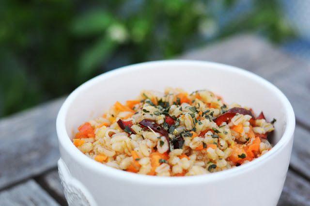 von veganen Küchengelüsten und anderen Dingen...: Rollgerstensalat