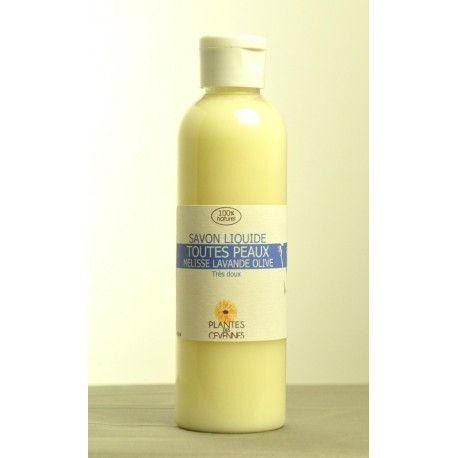 Le savon liquide à la Mélisse et à la lavande peut être utilisé pour la douche ou pour les mains.  Tout doux et 100 % naturel, il convient à toutes les peaux et à tous les âges.  Facile à emporter, ce savon liquide est idéal pour les vacances!
