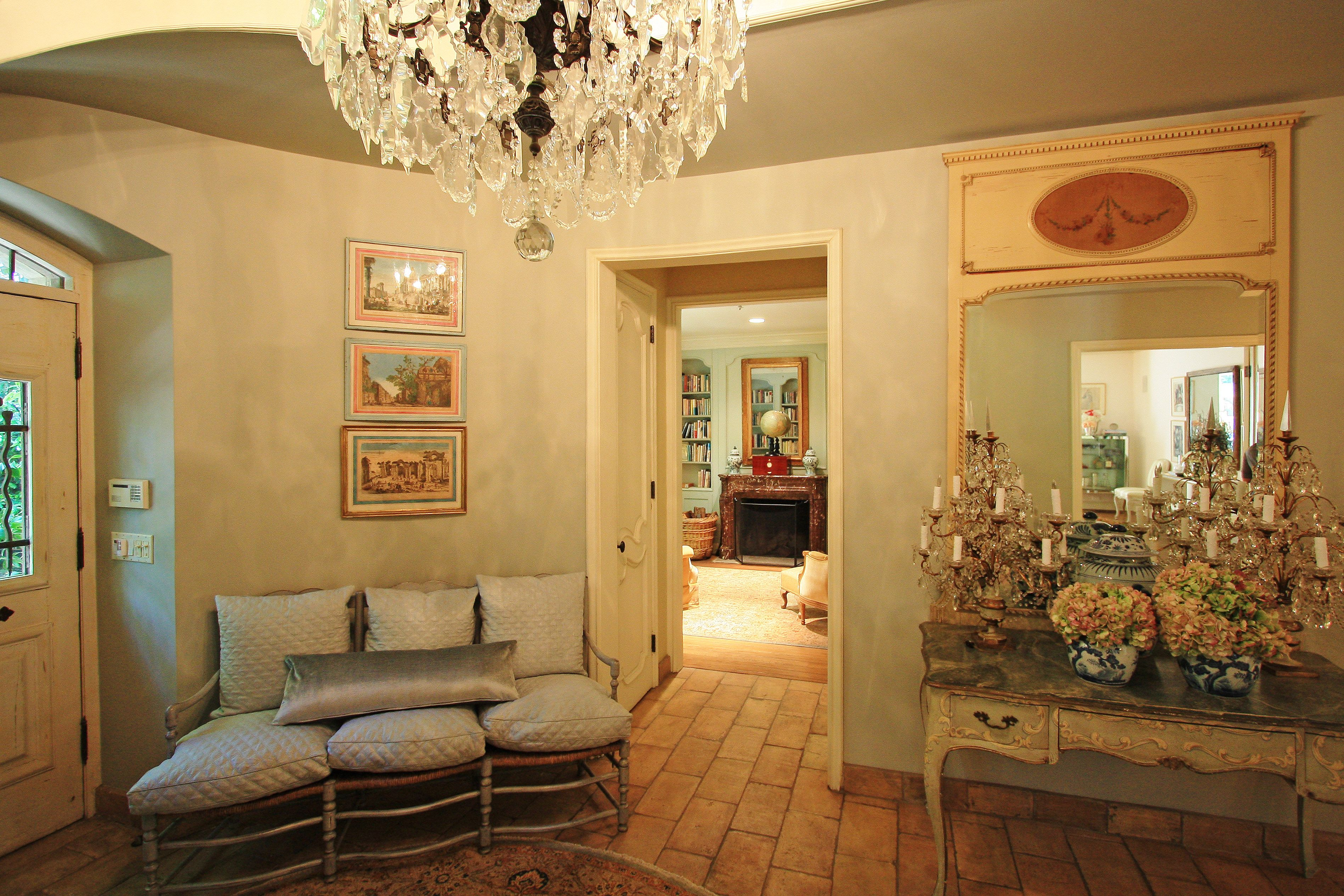 French Provence style foyer | First Impression | Pinterest | Foyers ...