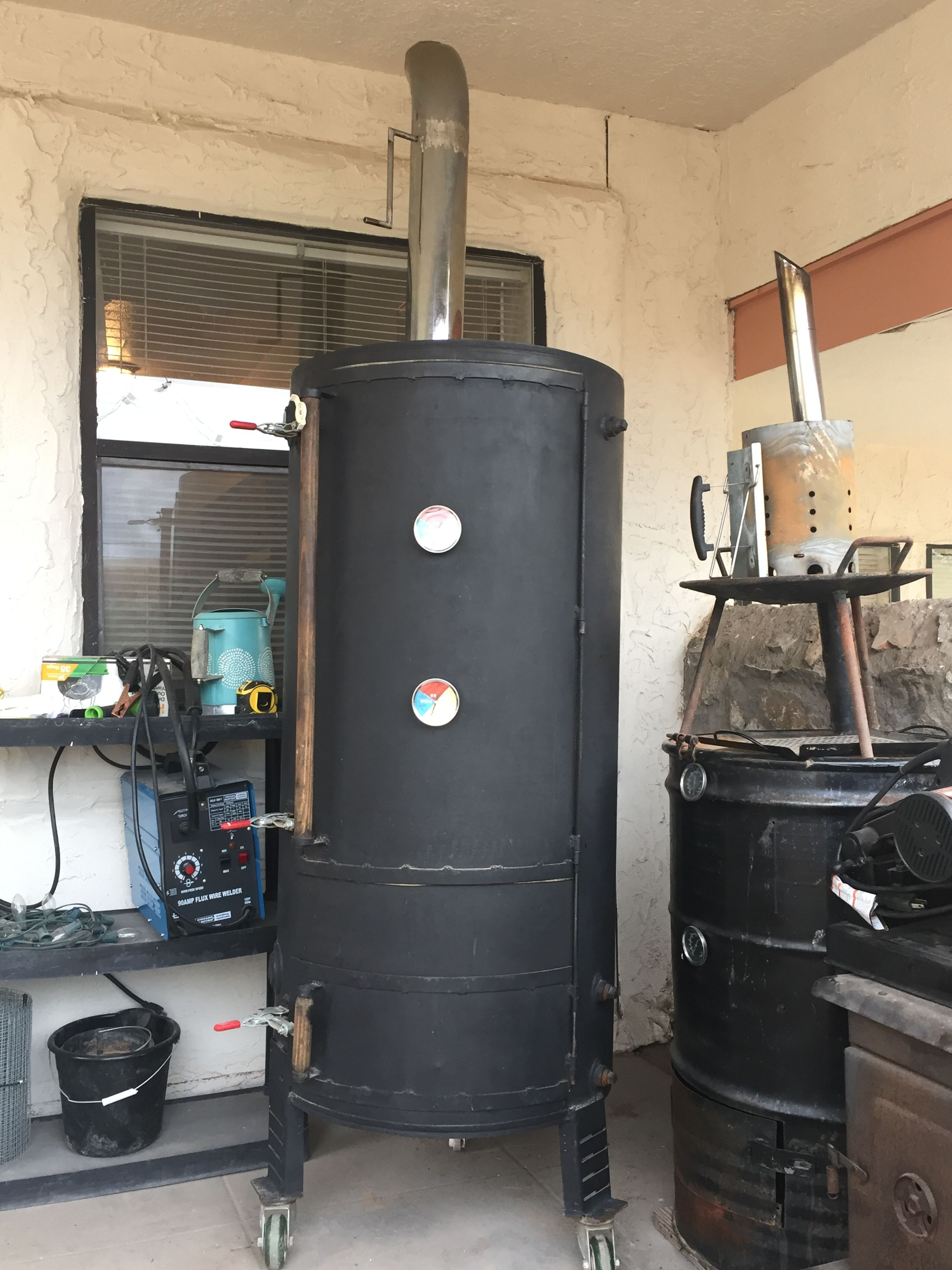 100 Gallon Water Heater Smoker With Semi Truck Smoke Stack And Damper Diy Bbq Water Heater Homemade Smoker