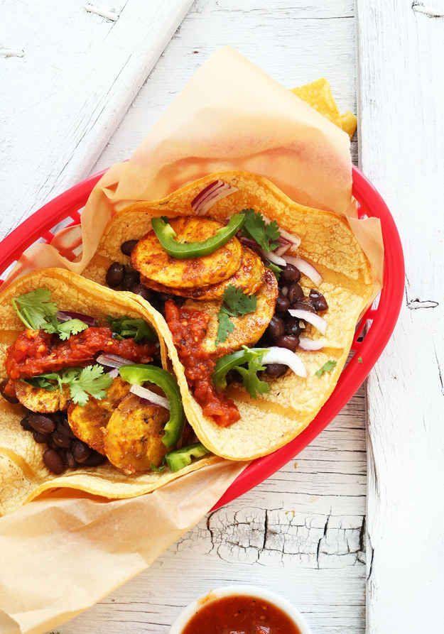 Tacos vegetarianos con plátano y frijol negro