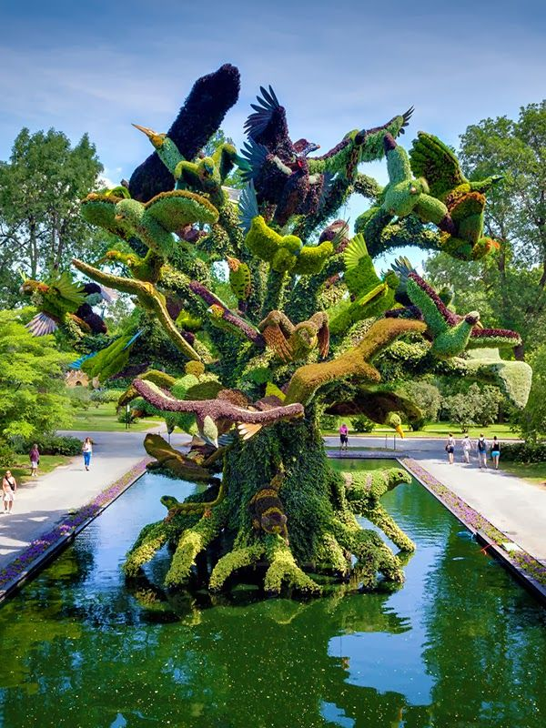 Birds Tree Mosaicultures in Montreal Botanical Garden, Canada #photography #travel #canada #gardens