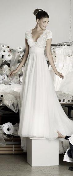gefunden bei HAPPY BRAUTMODEN                                                                                                                                                                                 Mehr #attireforwedding