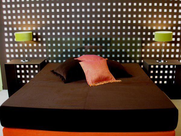 Habitaciones empapeladas y decoracion de dormitorios con for Fotos de decoracion de recamaras