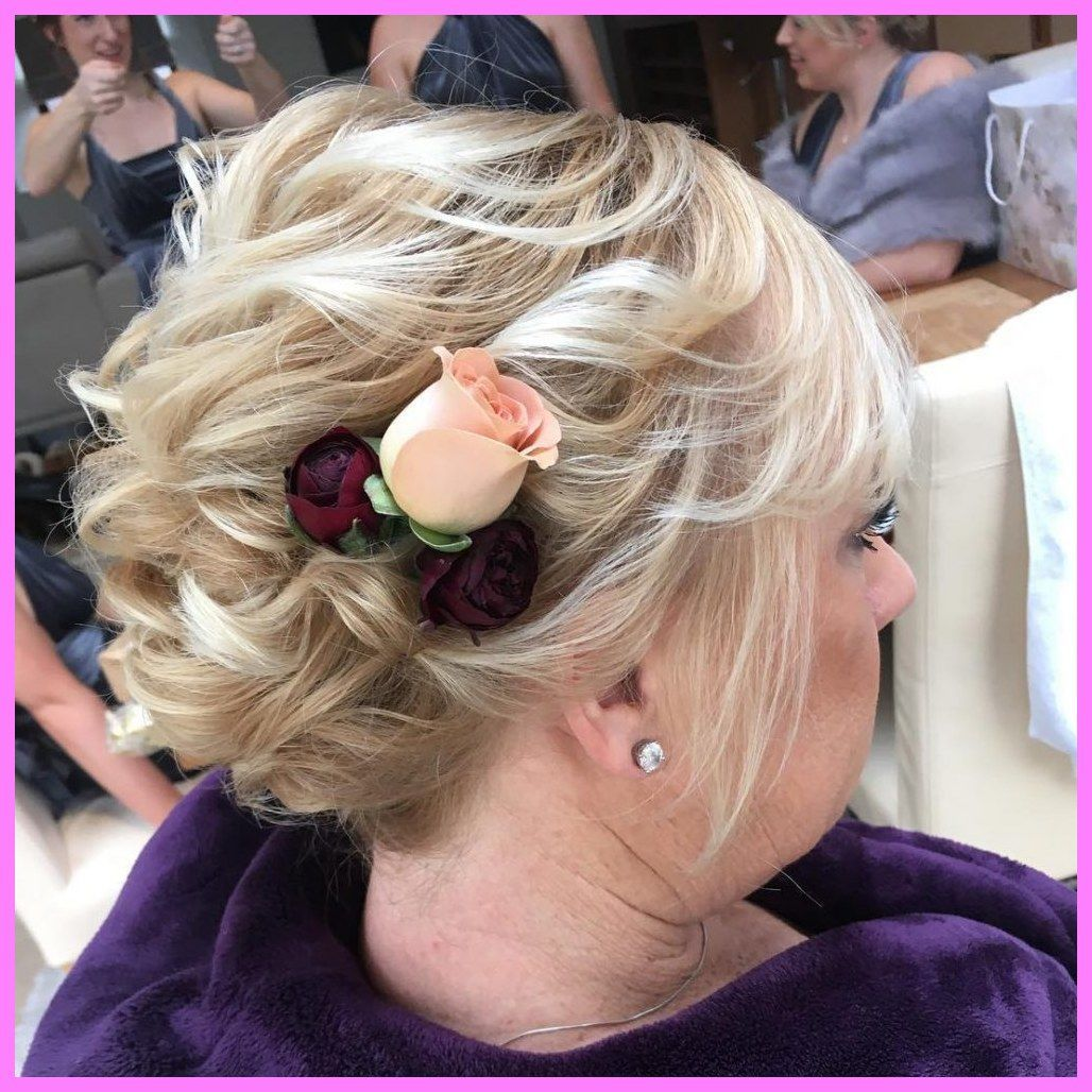 30 short hairstyles for mother of the bride over 50 - best