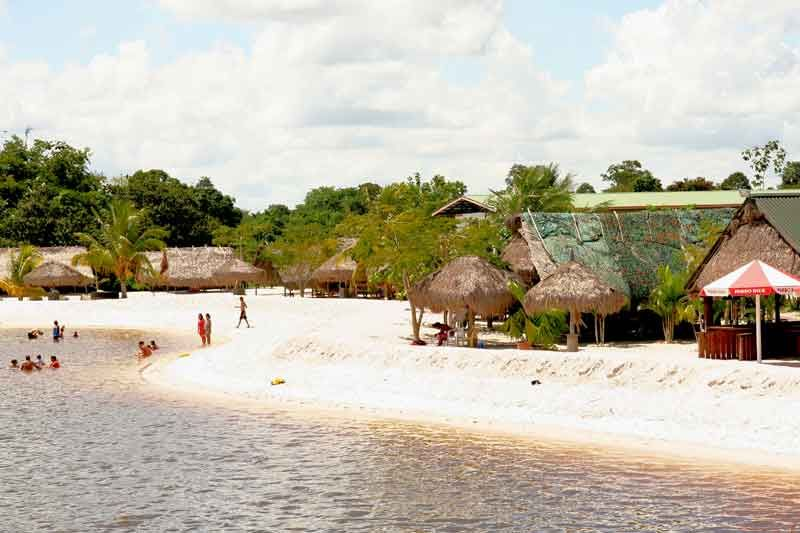 Suriname beach go to suriname for a memorable holiday for Where to go for a white christmas in usa