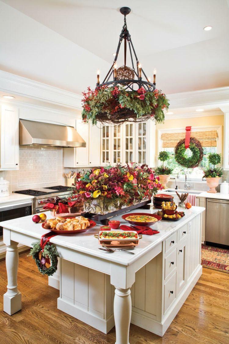 Küche weihnachtlich dekorieren weihnachtskranz fensterdeko ...