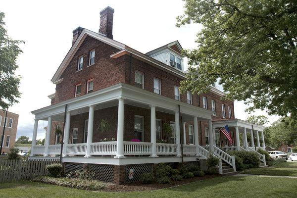 Love This Wrap Around Porch House Styles Wrap Around Porch Home
