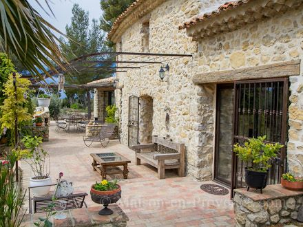 La Terrasse De La Location De Vacances Mas  Le Castellet Var