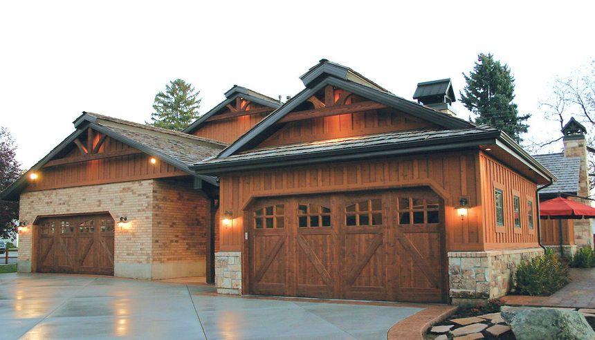 Local Residential Garage Door Services In Minneapolis St Paul Mn Garage Door Design Garage Doors Carriage House Doors