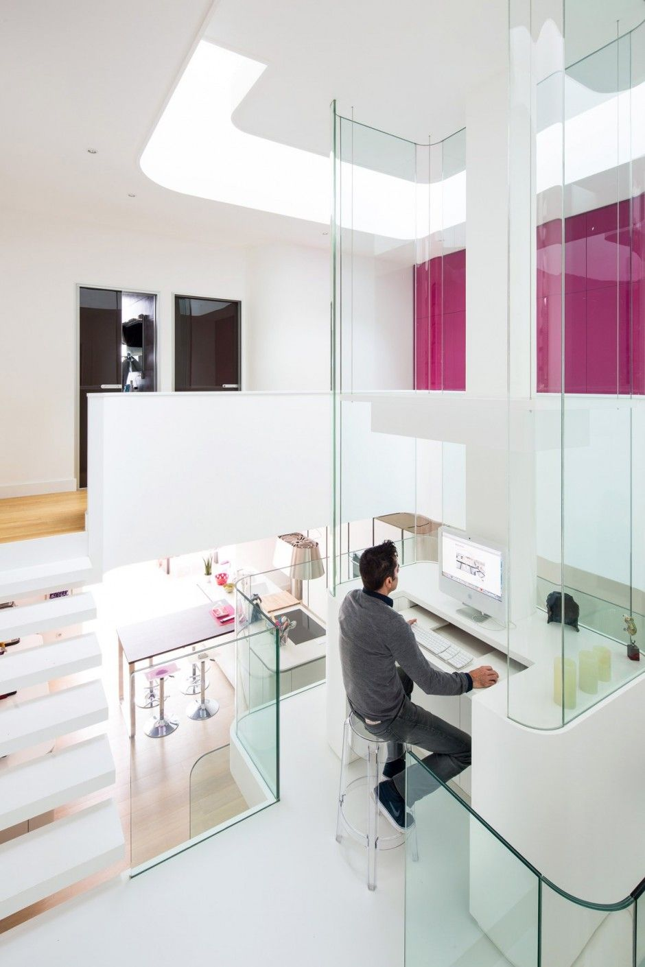 Modern Home Office // Minimal office space. A renovation of a town ...