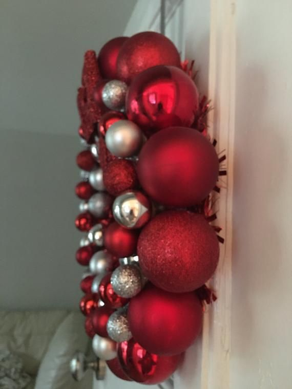 Red and Silver Christmas Bauble Wreath #baublewreath Red and Silver Christmas Bauble Wreath #baublewreath