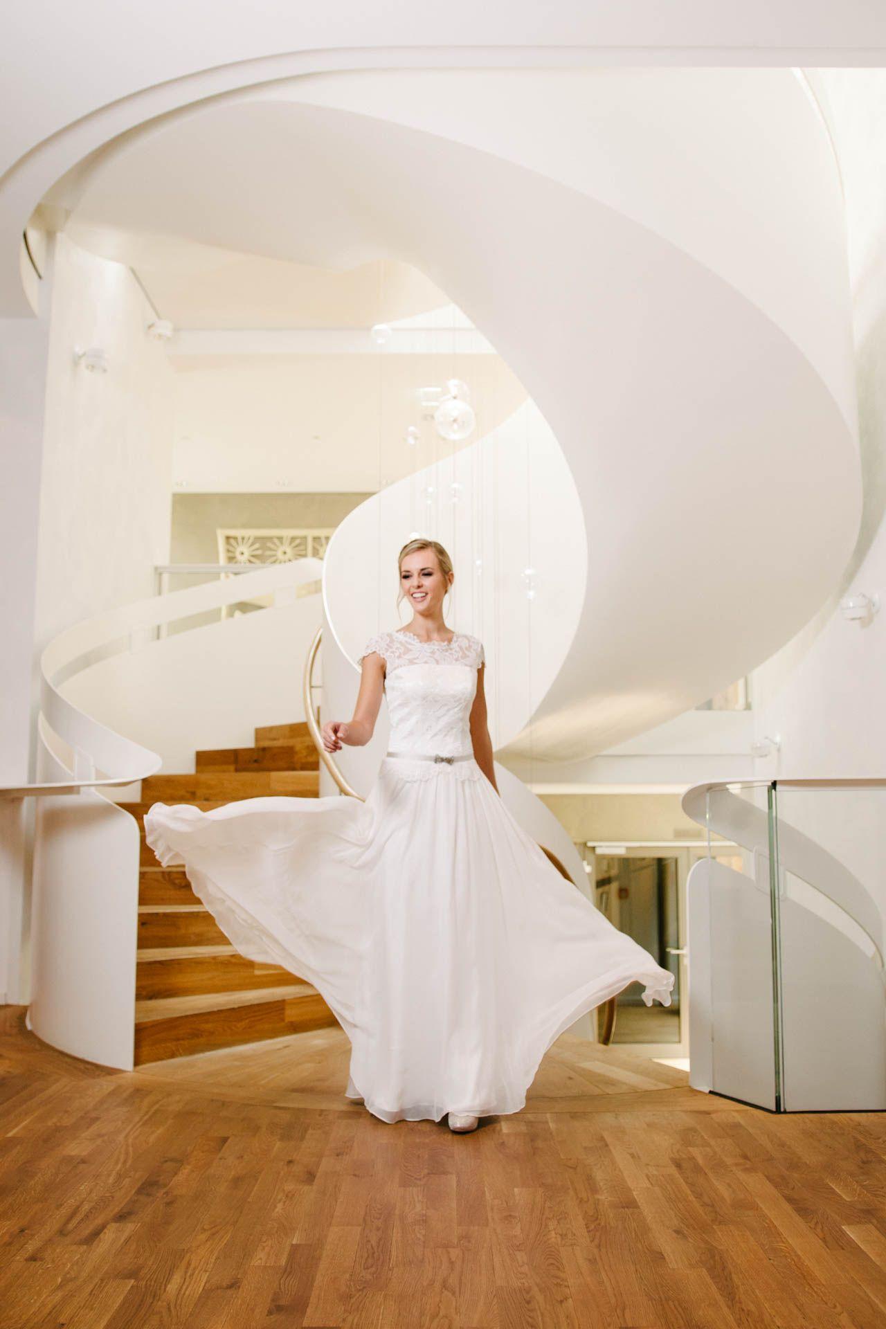 Vintage Hochzeitskleid mit Seidenrock | Hochzeitskleid und Schuhe ...