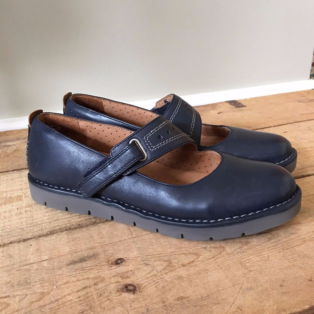 74724e9d5690da UK 5.5 WOMENS CLARKS ARTISAN UNSTRUCTURED UN BRIARCREST BLUE MARY JANE FLATS   ClarksArtisanUnstructured  MaryJanes