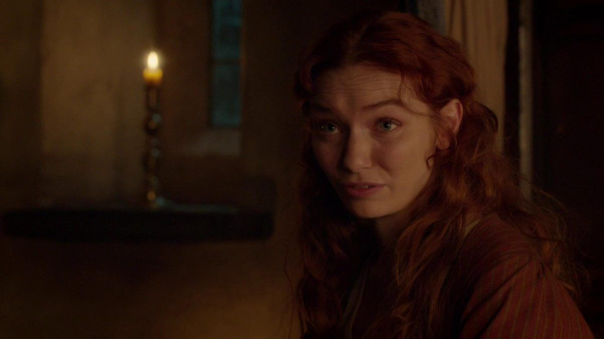 Ross tells Demelza he's considering returning to the army.