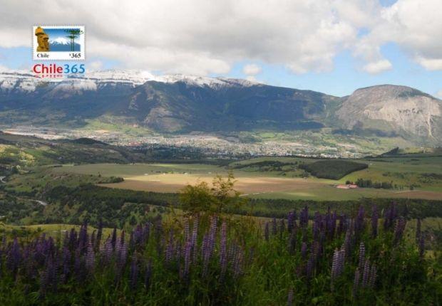 Coyhaique, Chile | Ciudad de Coyhaique. Vista de la ciudad de Coyhaique con Cerros ...