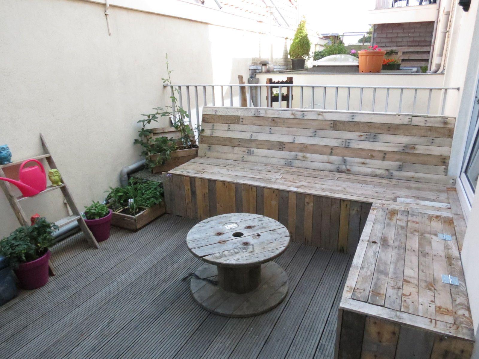 5 Lounge Dakterrassen : Loungebank van pallethout op maat gemaakt voor een dakterras