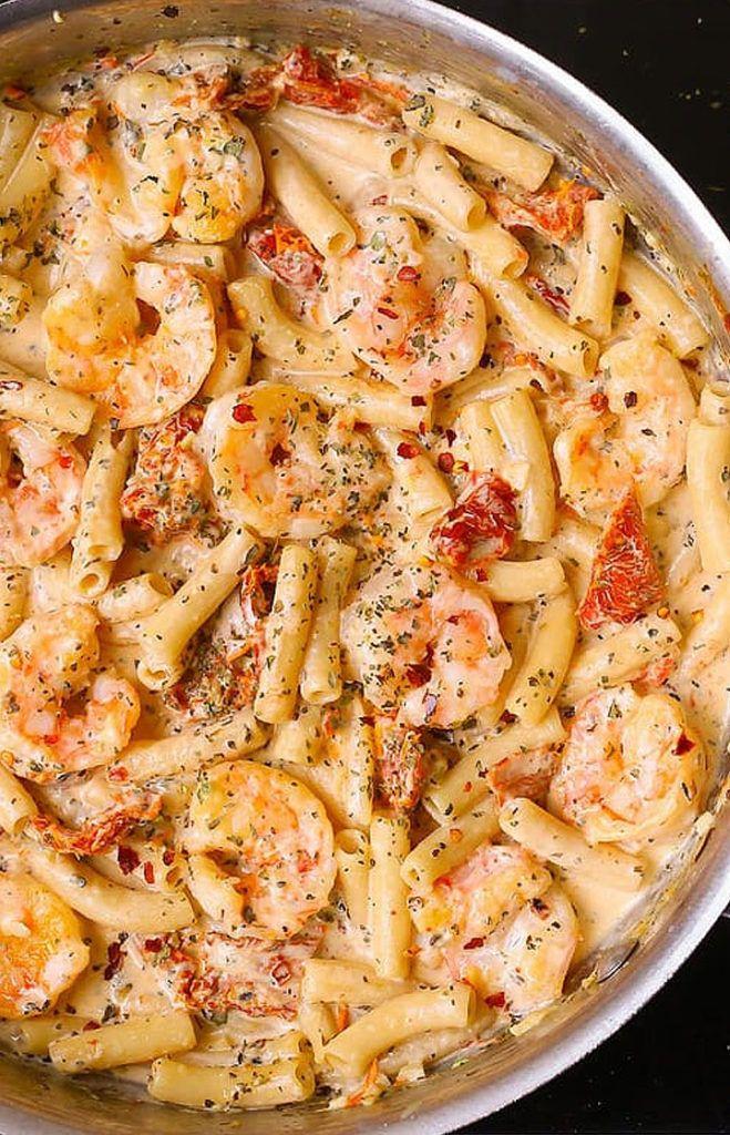 Creamy Mozzarella Shrimp Pasta #pasta #shrimp #seafood #creamy #hollandaisesauce