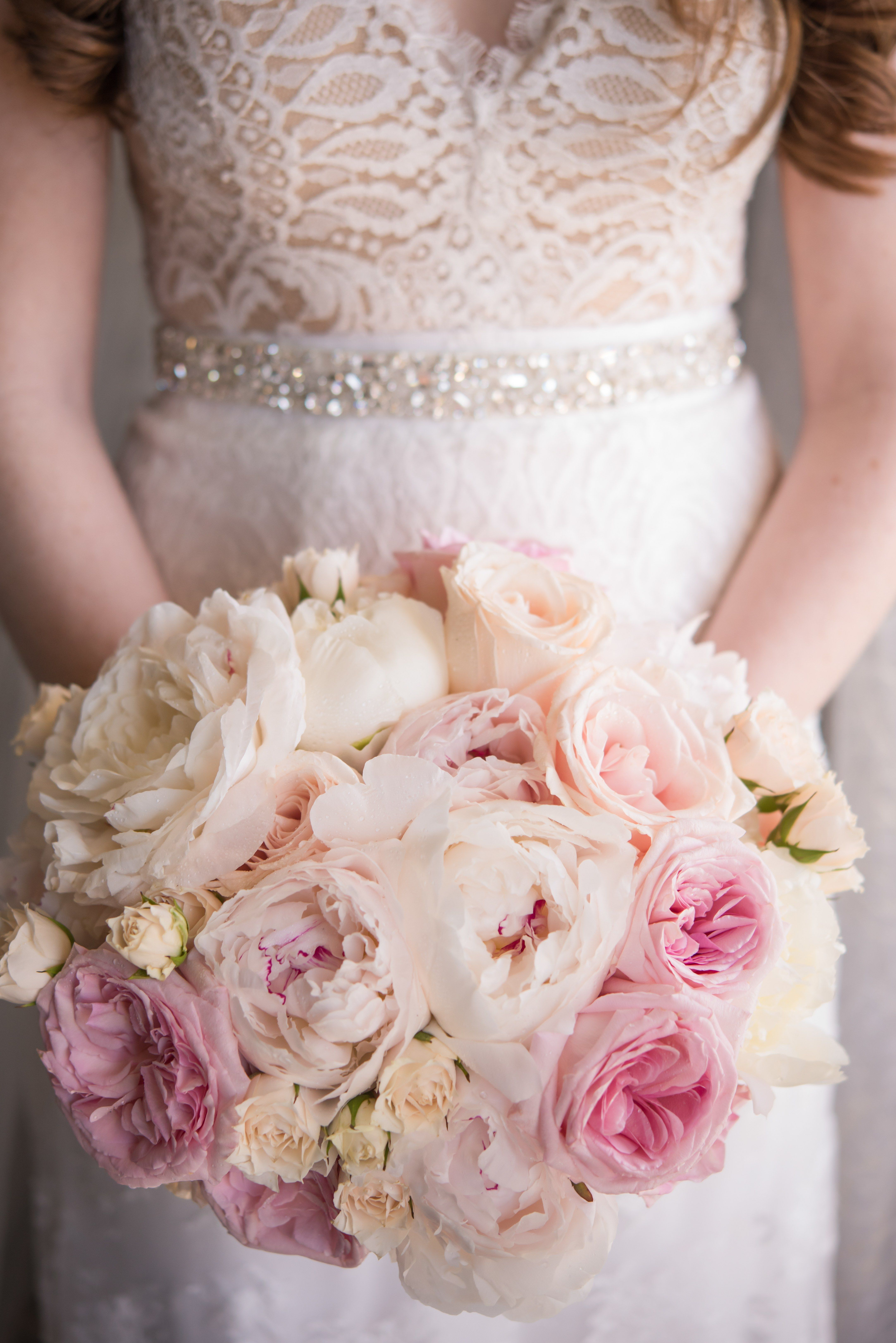 Spring Wedding Bouquets That Are Insanely Stunning Brides
