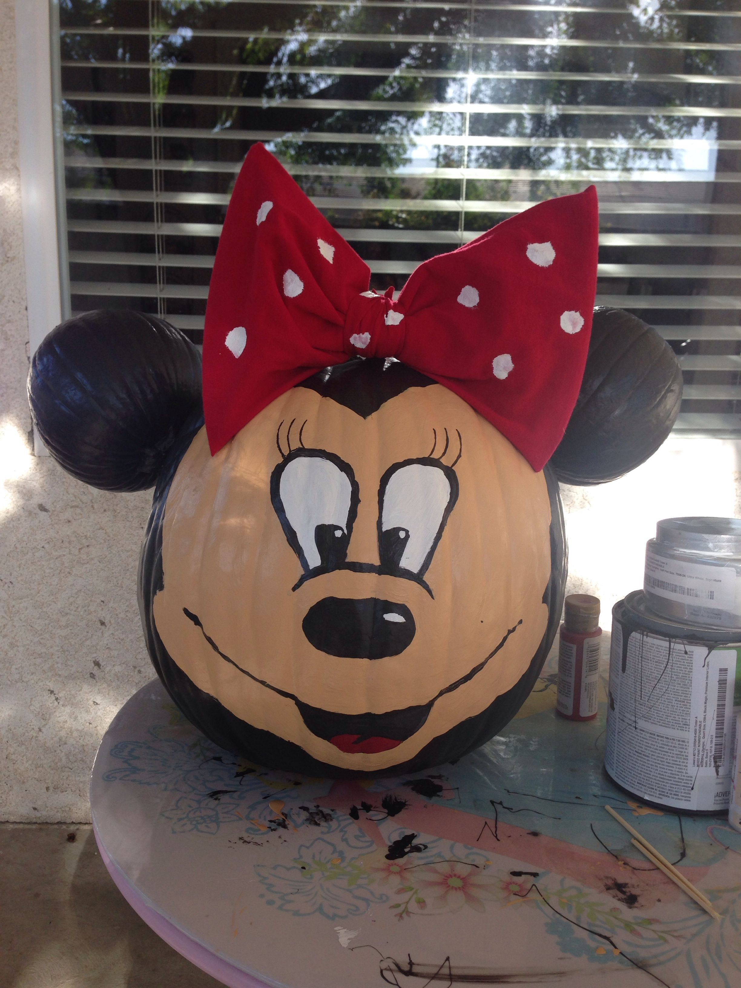 Halloween Pumpkin decorating contest Minnie Mouse! Peytons board